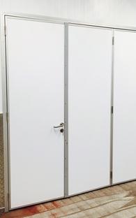 Tri-fold Door
